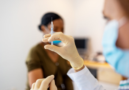 Mandatory or voluntary? Businesses are debating how the Covid-19 vaccine will affect the return to the office.